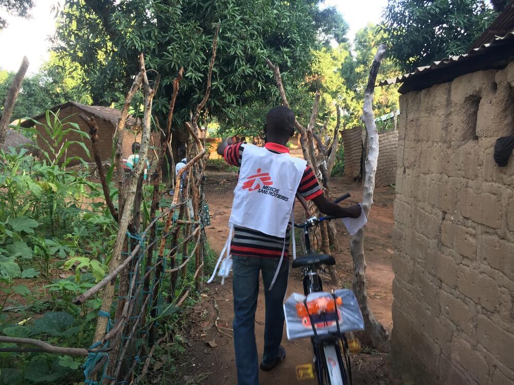 An MSF team in Batangafo walks door to door to distribute preventative treatment for malaria
