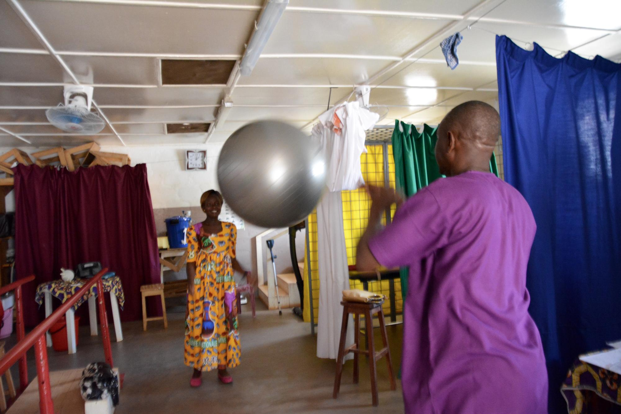 Physiotherapy at SICA hospital, Bangui
