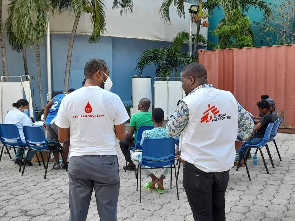 Blood collection in Port-au-Prince