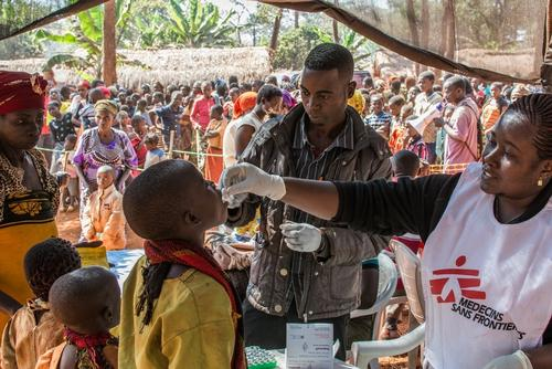 Cholera vaccination at Nyaragusu refugee camp in Tanzania