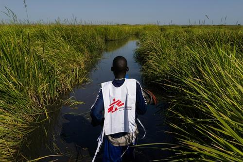 An MSF staff member near Kok Island, South Sudan