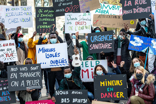 Protest outside the French Ministry of Health – Paris, France, 20 November 2020