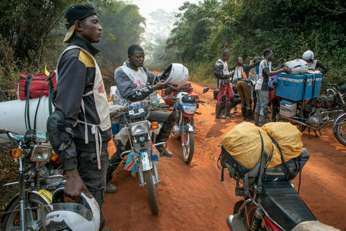 Bikers without borders deliver measles vaccines – Boso Manzi, Democratic Republic of Congo, 27 February 2020