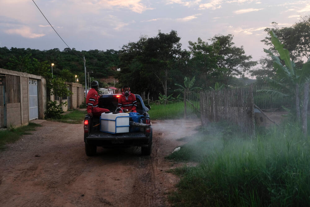 Local environmental health teams, supported by MSF, carry out fumigation in Sucre