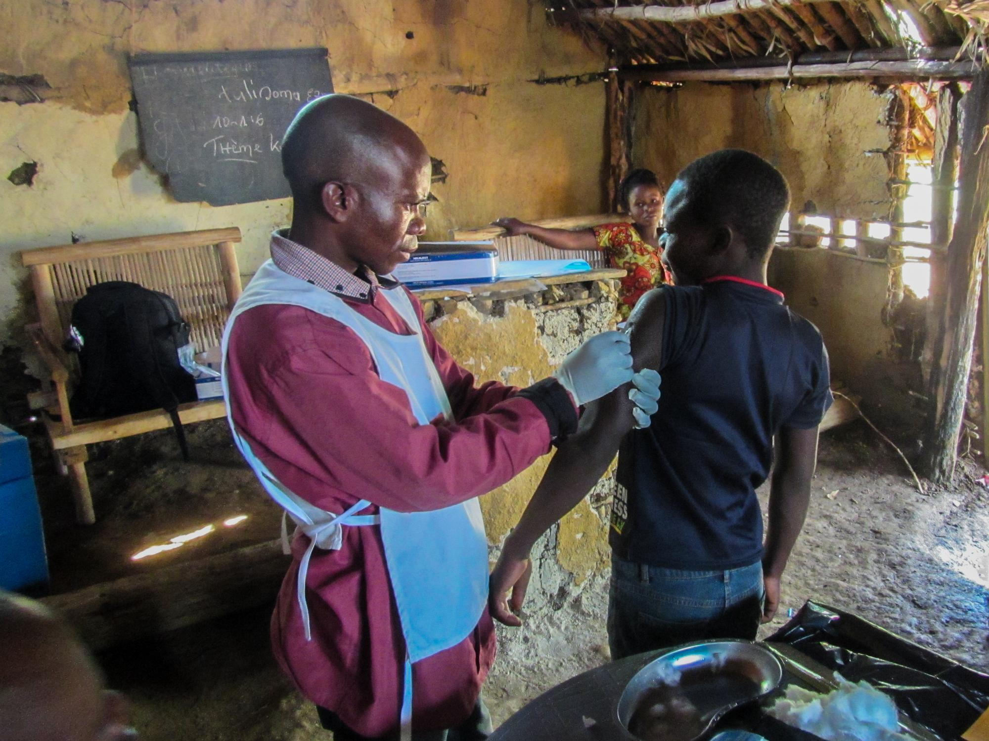Measles vaccination in Mulungu, DRC