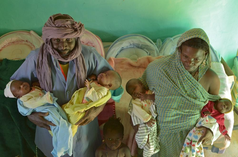 Four twin babies with parents at the MSF hospital in Bassikounou,  Mauritania