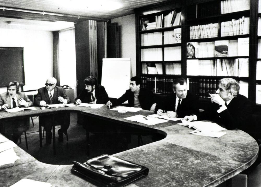 Signing of Médecins Sans Frontières' charter, in Paris, 1971.