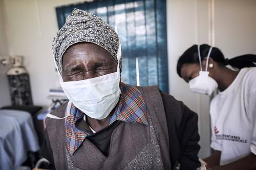 HIV and DR-TB treatment in Swazialnd, October 2013 (MSB3196 )