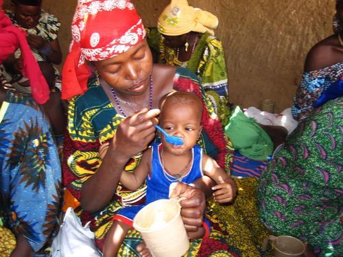 "Niger. ""Mamans lumières"" programme"