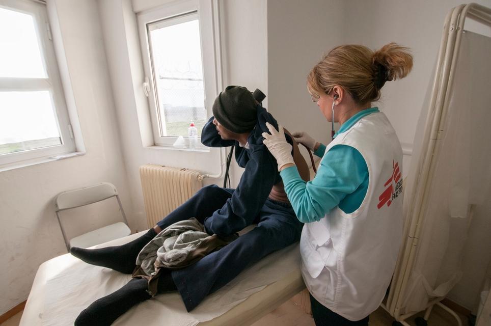 MSF treats migrants in Greece