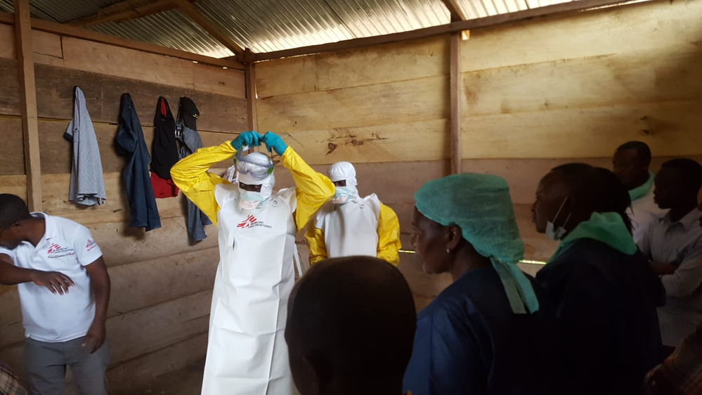 MSF set up a 30-bed treatment unit for confirmed cases in Mangina, epicentre of the outbreak. It also constructed a treatment unit in nearby Beni, 45 minutes away by car, a town of 400 000 people; the latter has been handed over to ALIMA (though we are wo