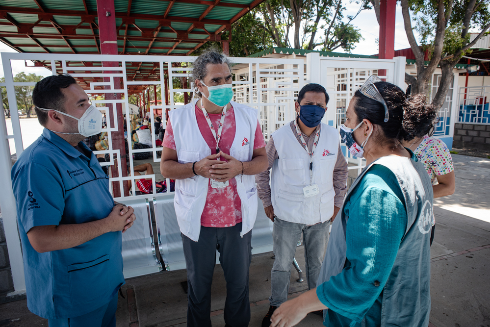 MSF staff provide support and advice to medical staff