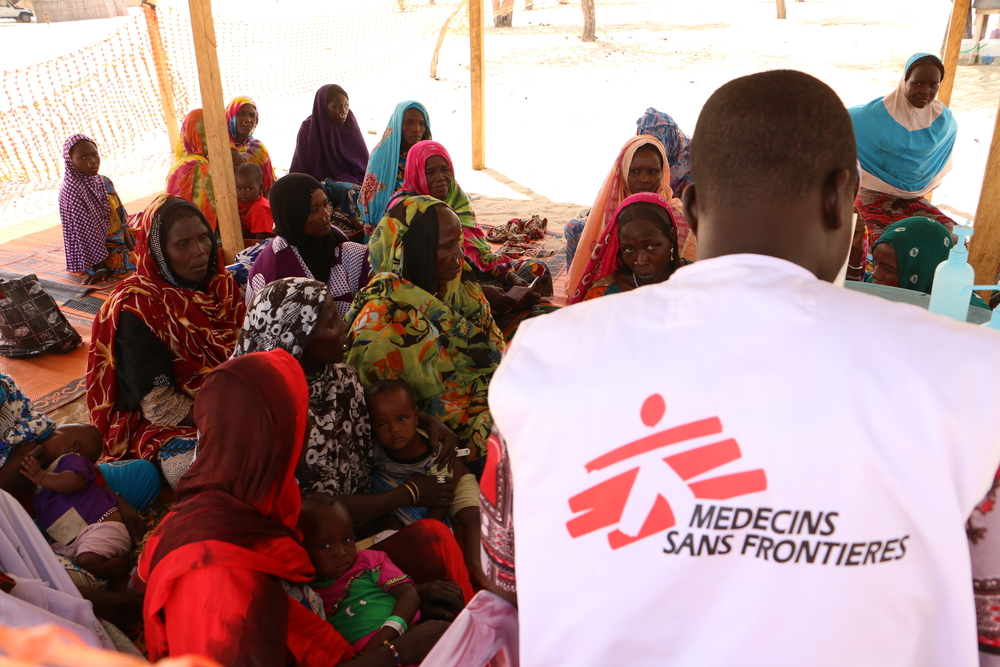 Koulkimé, Lac Chad region, Chad. Free medical consultation run by an MSF mobile clinic team addressing both the local population and displaced people.