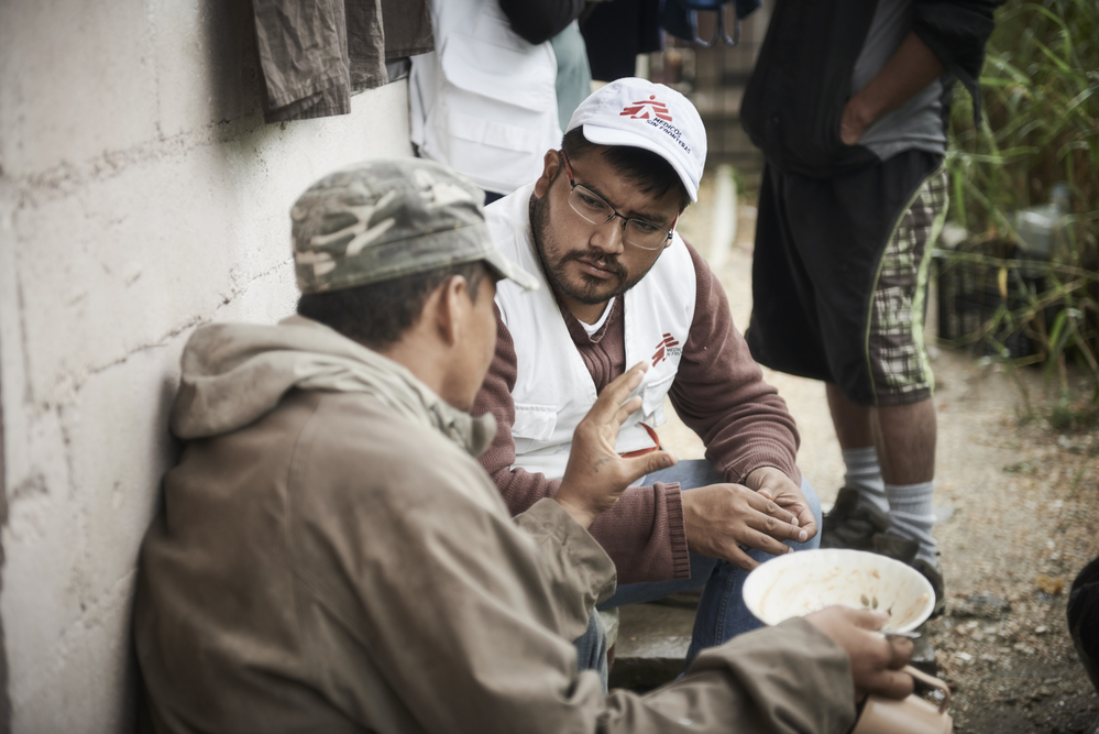 An MSF team provides medical care and mental health care to a migrants