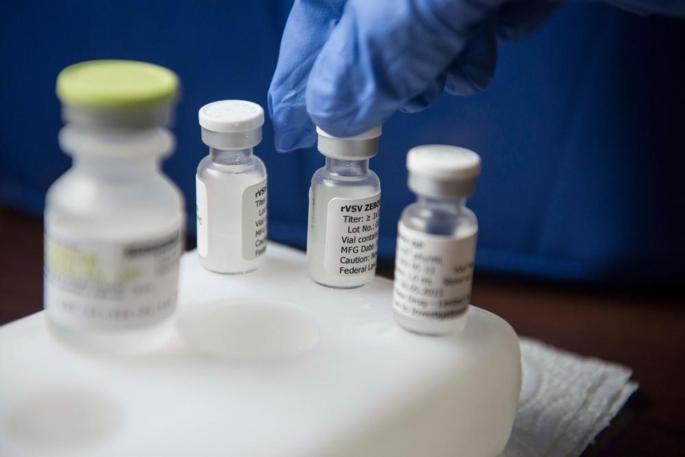 rVSV-EBOV: experimentální vakcína proti ebole.