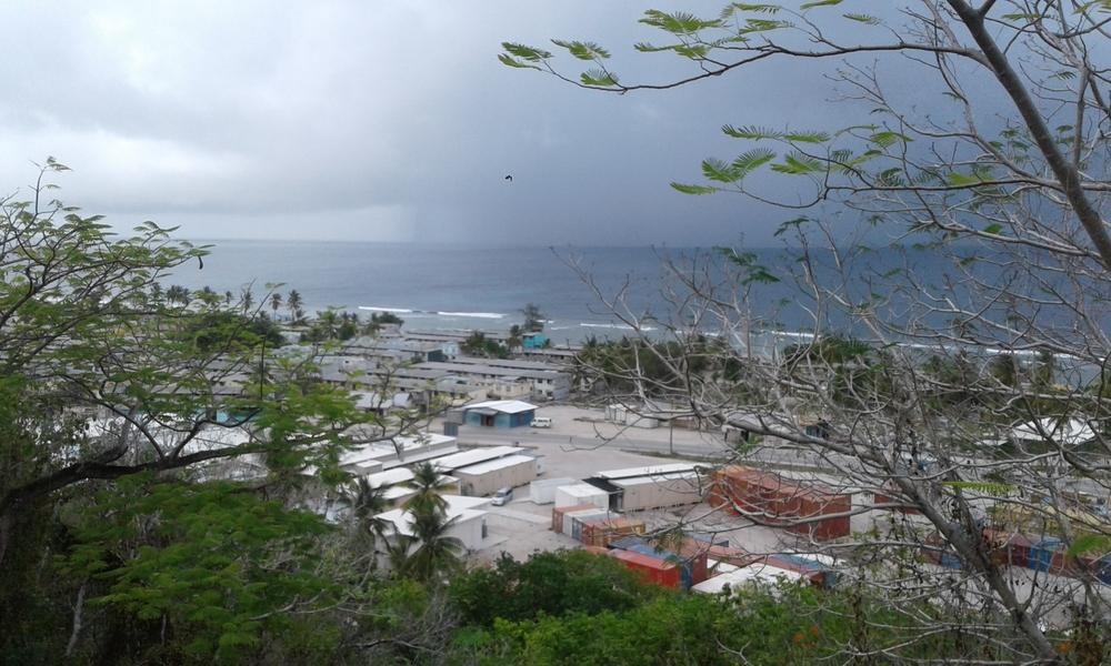 Republic of Nauru Hospital & local community houses. © MSF