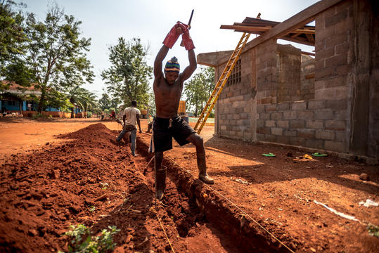 Construction work at MSF Hospital in Bangassou, CAR