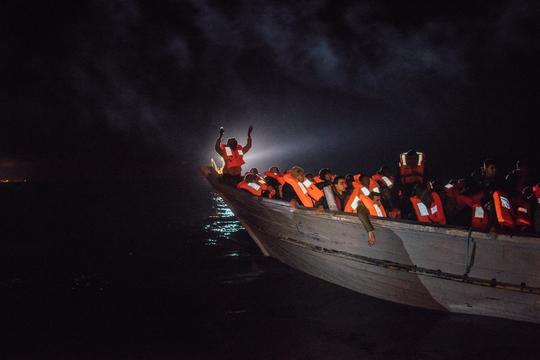 MSF winter sea rescue - MV Aquarius