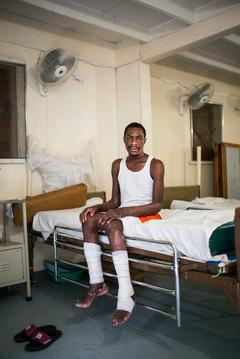 Drouillard: burnt people hospital in Haiti