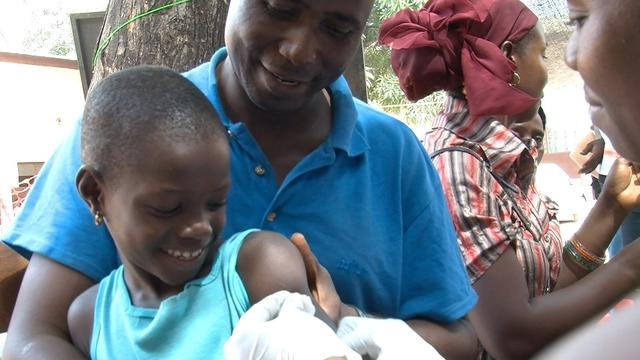 BROLL - 500 000 children to vaccinate in Conakry