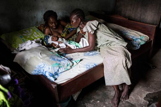 Giving Birth in Central African Republic 2014
