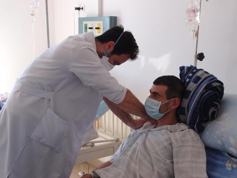 (MSF134829 ) Armenia A flying MSF tuberculosis  surgery team in Yeravan (MSF134829