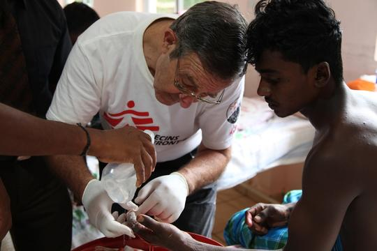 Sri Lanka, MSF in Mullaitivu Hospital, Eddy McCall / MSF, april 2012.