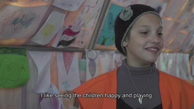 WEBCLIP: Alisar & Ahin, child refugees at Piraeus port, Greece (ENG)