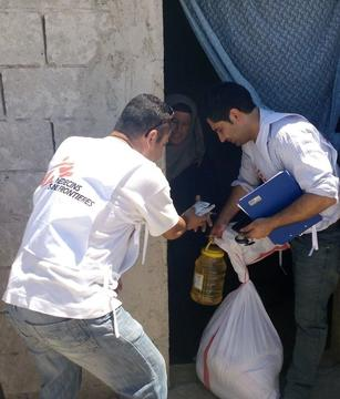 Emergency food and NFI distribution