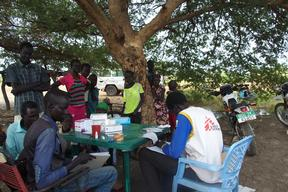 MSF treats spiking malaria in South Sudan with the help of local communities