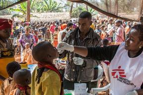 Cholera vaccination at Nyaragusu refugee camp in Tanzania