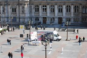 France, Paris, Hotel de Ville, malnutrition photo exhibition (truck), Mathieu Fortoul / MSF, march 2009.