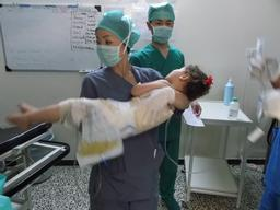 Syria, Treatment of major burns in MSF hospital in Idlib governorate, MSF, Mid-july 2013