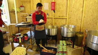 WEBCLIP: 'Kitchen in Calais', volunteering during Ramadan (INT)