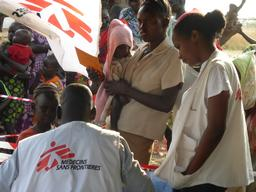 Ethiopia, South Sudan refugees : first round of vaccination in Gambella Region, MSF, nov 2014