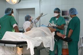 A flying MSF tuberculosis  surgery team in Yeravan