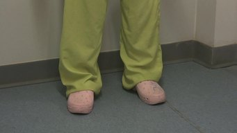 VIDEO: Sterilization for Health Care Facilities Part 3 Work attire (FR)