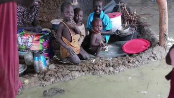 VINE clip Bentiu South Sudan - Floods inside the UN Internally Displaced People's camp