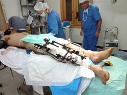Syria, surgical care to victims of violence, MSF, nov 2012.