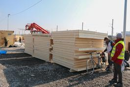MSF shelters construction in Calais' camp